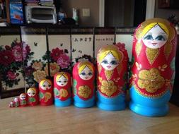 10 pieces russian nesting doll Hand made 10.5 inchs tall Red