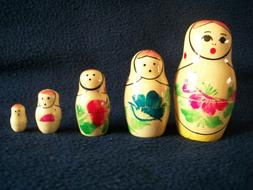 Vintage 5 Pc Set Wooden Russian Nesting Dolls Hand Painted s